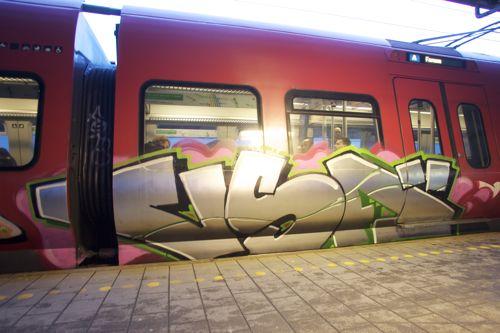 NX4B9725