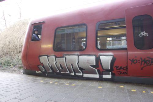NX4B9785