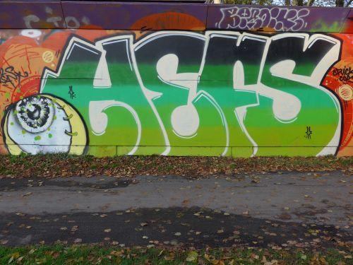 Walls201321