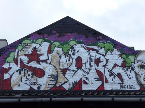 Wall201404
