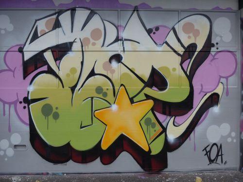 Wall201408