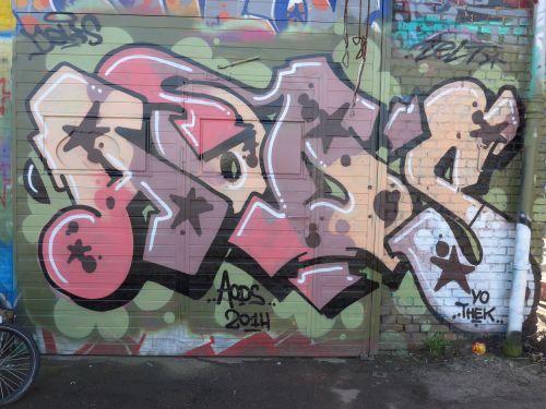 Walls08