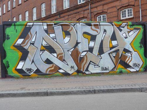 Walls201401