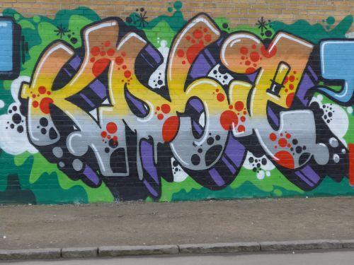 WallsBrask01