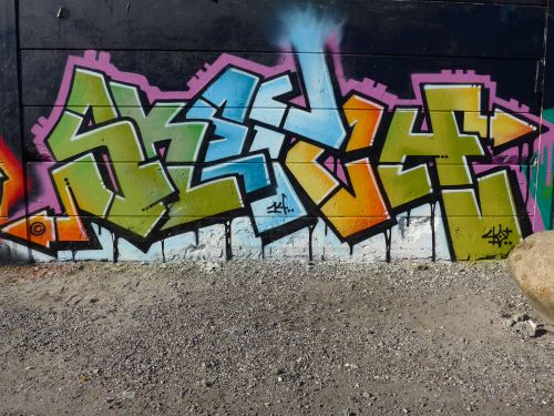WallsBrask05