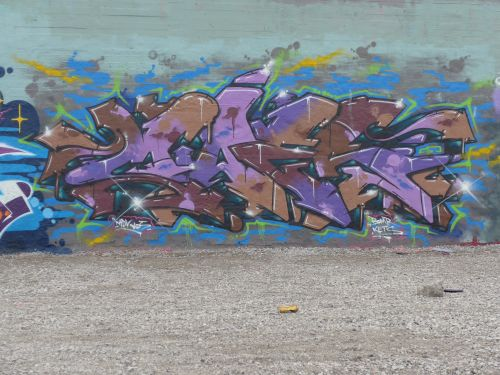 WallsBrask08