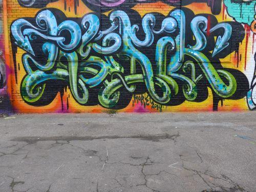 BraskWalls1404